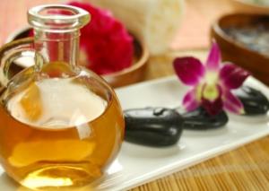 tips voor een erotische massage gebruik de goede olie